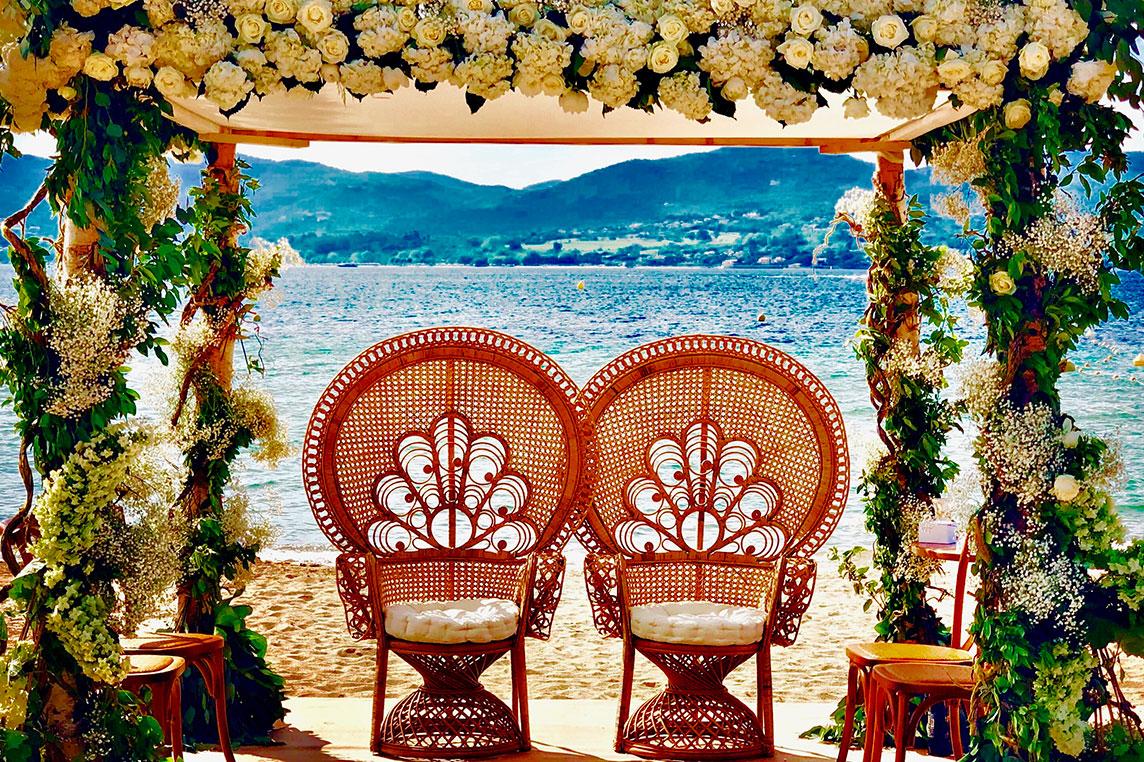 Décoration table mariage fleurs St Tropez